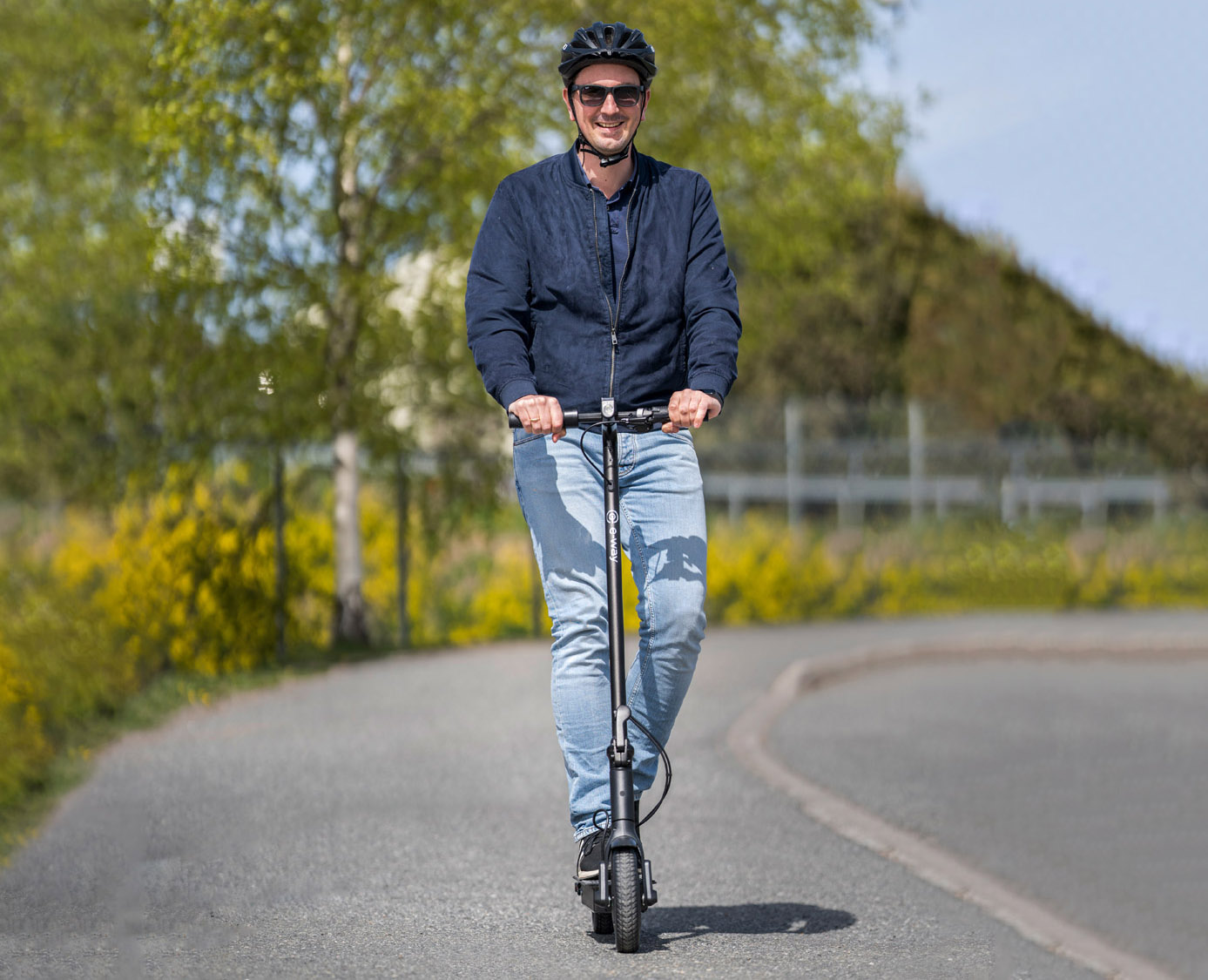 Electric-scooter_Eway-E2Pro_downhill_web2.jpg